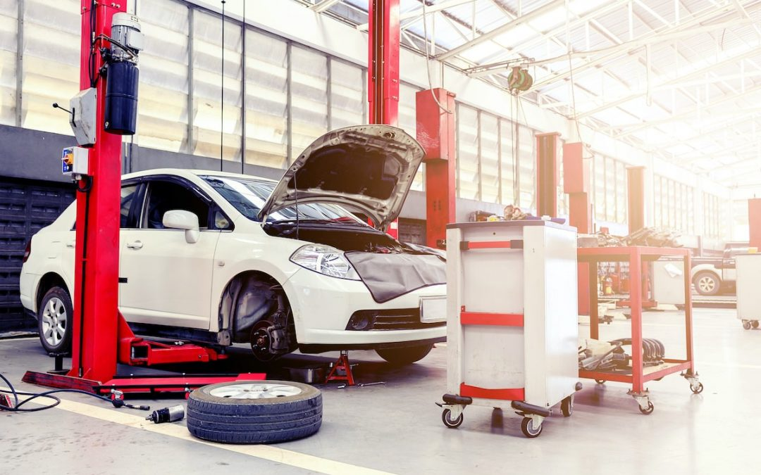 Dealerships vs Auto Body Repair Shops: Which is Better?